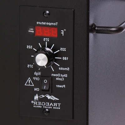 Traeger Texas Elite Grill 34, Included