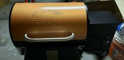 NEW TRAEGER GRILL TITO'S VODKA LIMITED EDITION TFB29VCD SMOK